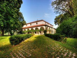 Dvorec Zemono