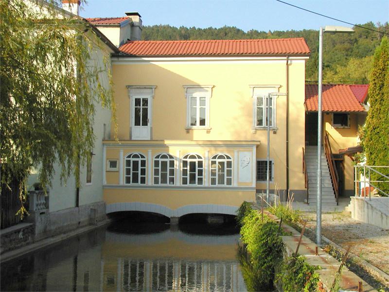 nekdanja-mestna-palaca